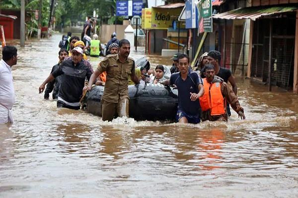 red alert for floods in four districts of karnataka
