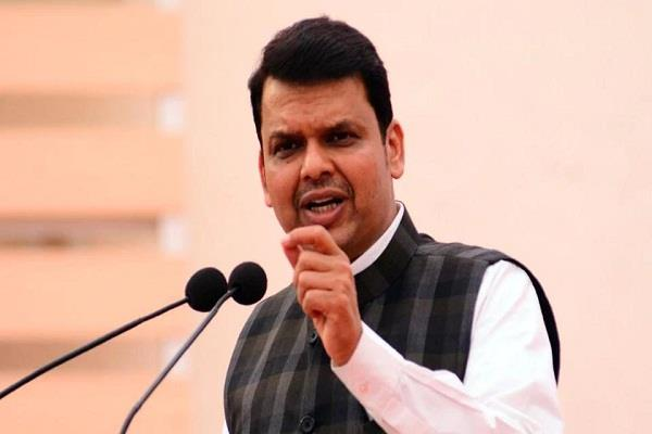fadnavis targeted pawar over pakistan related statement