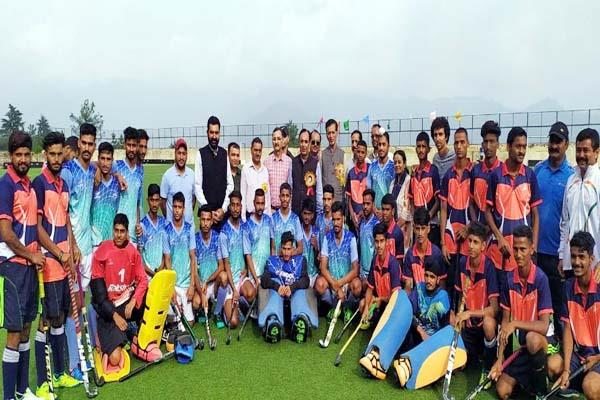 una team winner in hockey competition