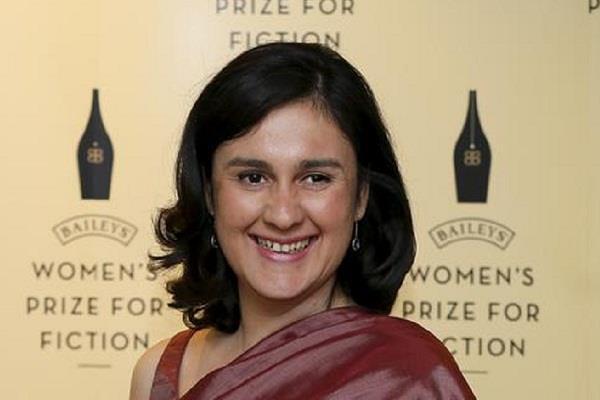 pakistan british author stripped of award for pro palestine views