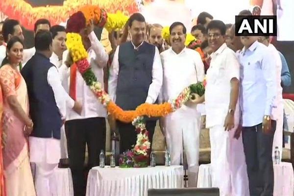 ncp leader ganesh naik joins bjp