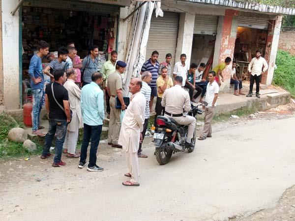 tipper driver attack on sdm palampur