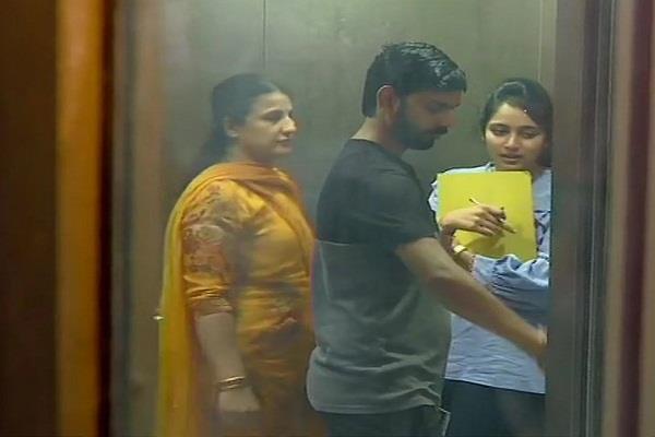 ed interrogated shivkumar s daughter aishwarya in money laundering case