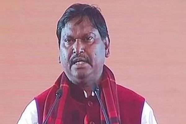 prime minister narendra modi works to tie india together  munda