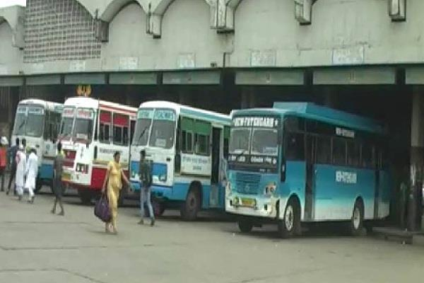 thieves stole private bus parked in bus stand