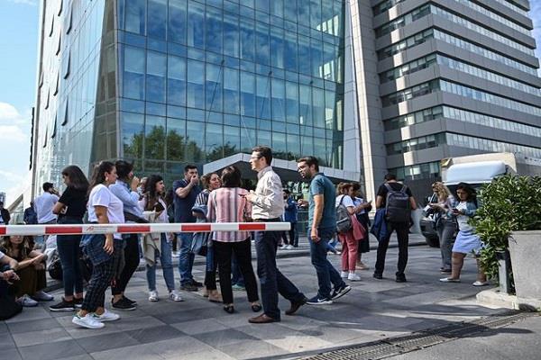 istanbul earthquake of 5 7 magnitude 8 injured