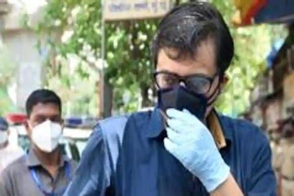 mumbai police notice to arnab goswami in communal remarks case