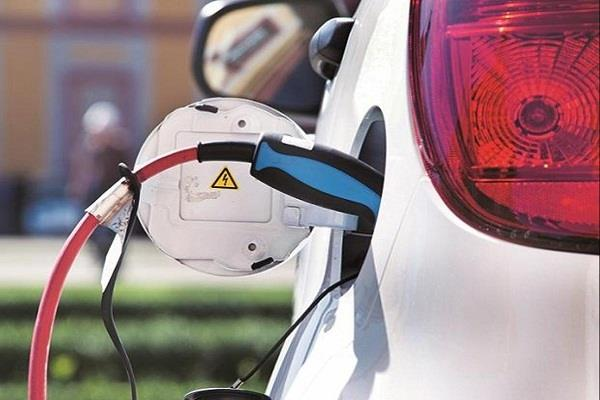 govt invited proposals to develop e vehicle charging stations on major highways
