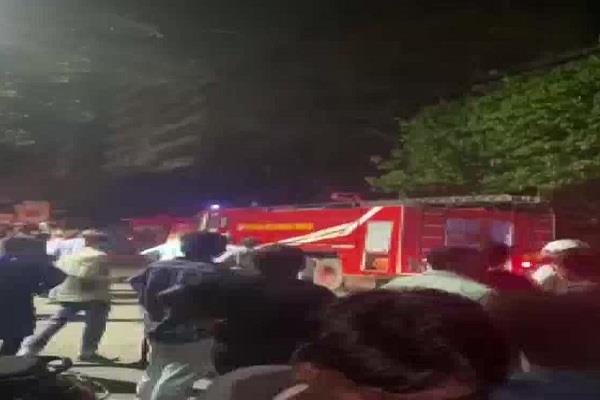 5 storey building in kolkata caught fire