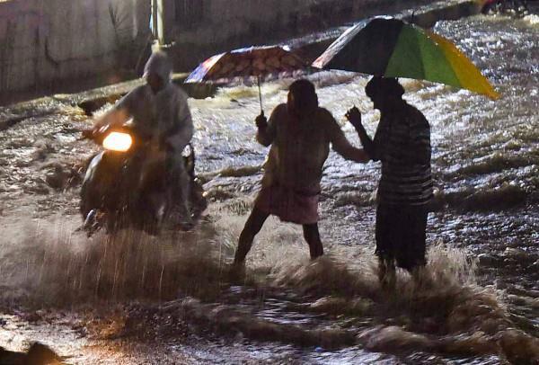heavy rains in hyderabad 11 died