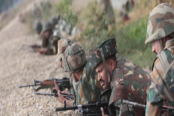 pakistan breaks ceasefire 2 places on loc