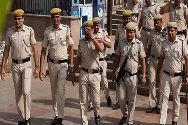 police begins day of police presence march on foot