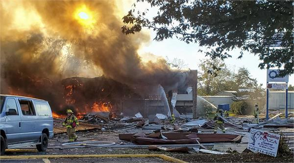 at least 5 injured in blast fire at virginia strip mall