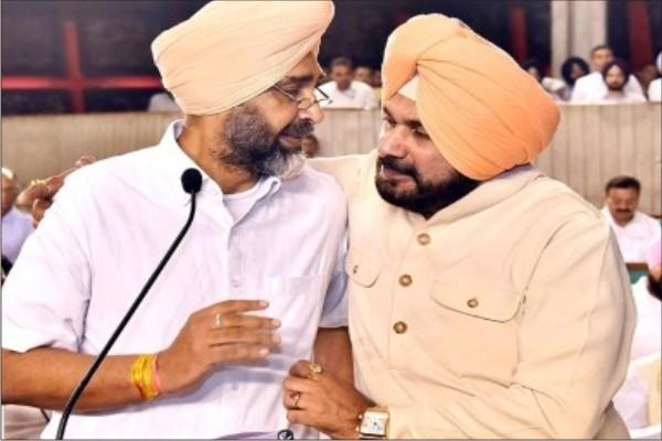 manpreet also came under attack from congress leaders along with sidhu
