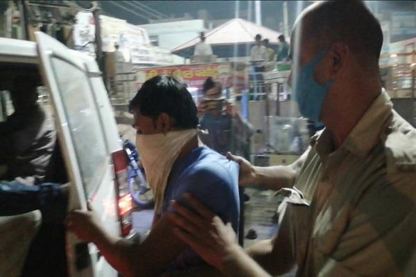 sdm raids in slaves while putting a check on anti social elements