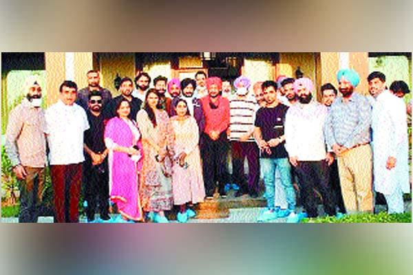 punjabi film industry announced to fight for the rights of farmers