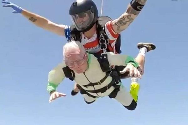 103 year old man jumps from 14 000 feet height