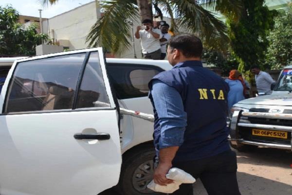 nia raids nine bases in srinagar and delhi