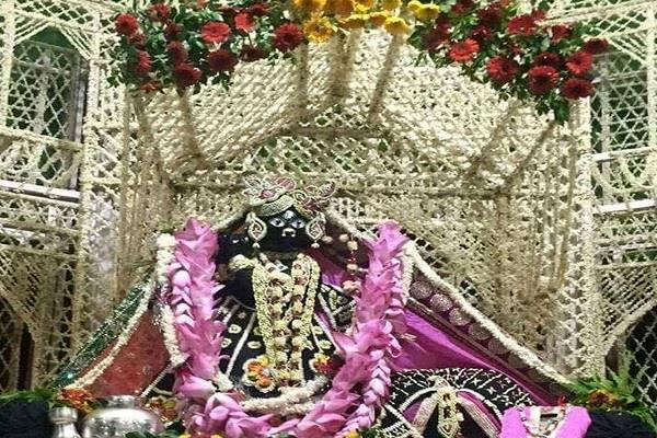 banke bihari temple closed for common devotees this is the reason