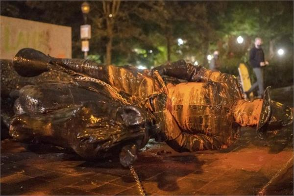 portland group topples roosevelt and lincoln statues in protest