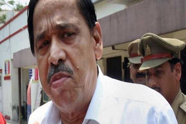 court announces 5 including congress leader nasimuddin fugitive
