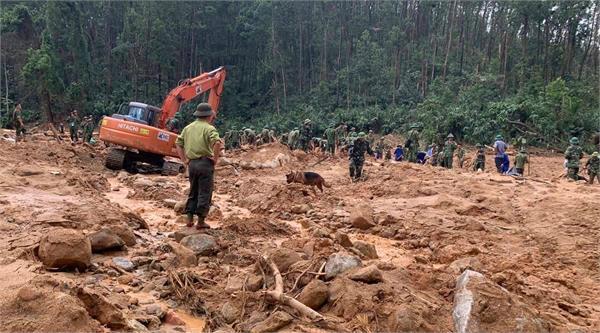landslide hits vietnam army barracks 22 soldiers missing