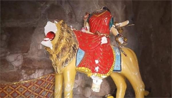 pakistan hindu temple vandalised during navratri in sindh