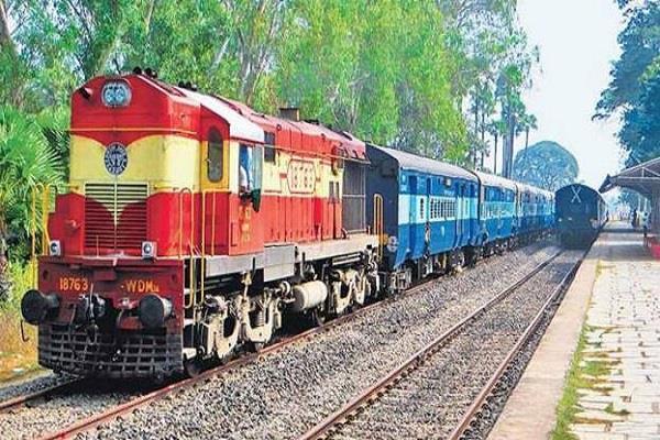 railways to run 5 pairs  pooja special train  from bihar to delhi