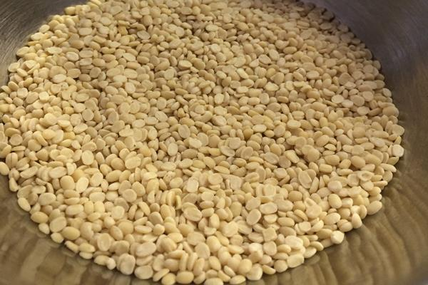 government s decision to import urad is not expected to result