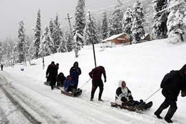 snowfall in kashmir s gulmarg and other places