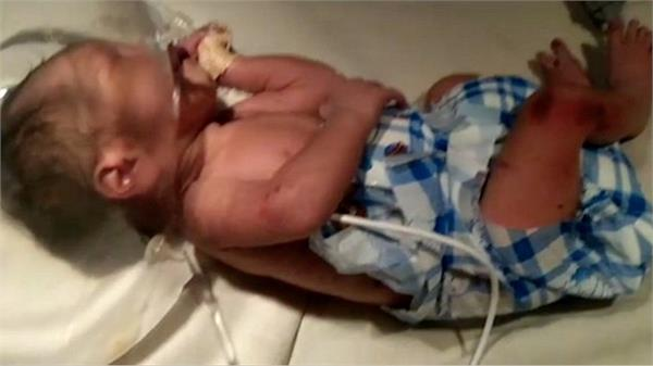 mother on trial for deaths of 2 babies says she blacked out