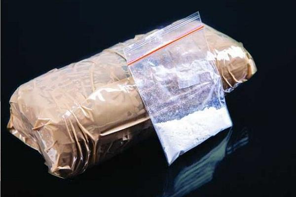 10 crore heroin seized from 2 afghan citizens at delhi airport