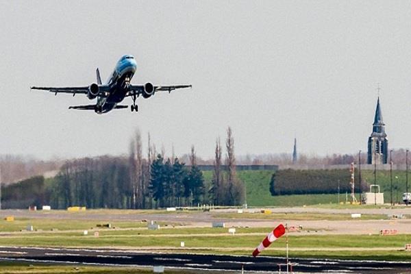 sri lanka s first flight from kushinagar international airport on 25 november