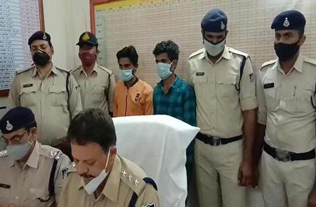 two accused arrested with 5 kg 100 grams of marijuana one absconding