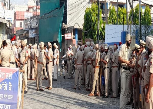 हाथरस केसः पीड़िता को इंसाफ दिलाने सड़कों पर निकले लोग, वाल्मीकि समाज का कड़ा प्रदर्शन