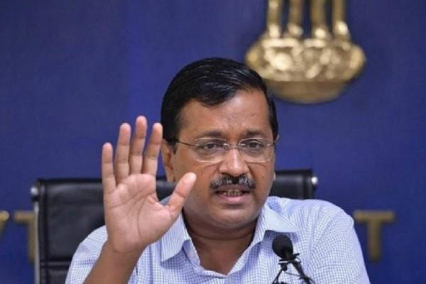 kejriwal appeals to delhiites  stop the car at traffic signal