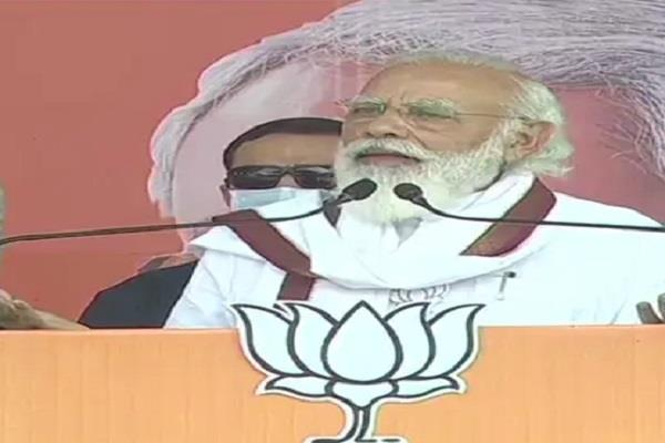 pm modi targeted on opposition