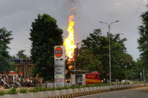 one person burnt to death in a petrol pump fire in bhubaneswar