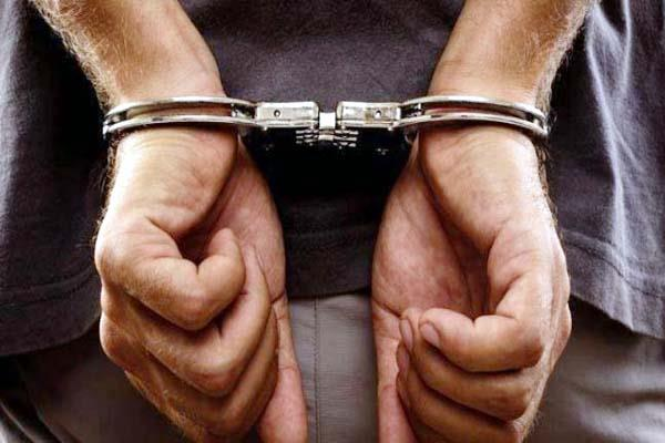 taxi driver arrested with bhukki