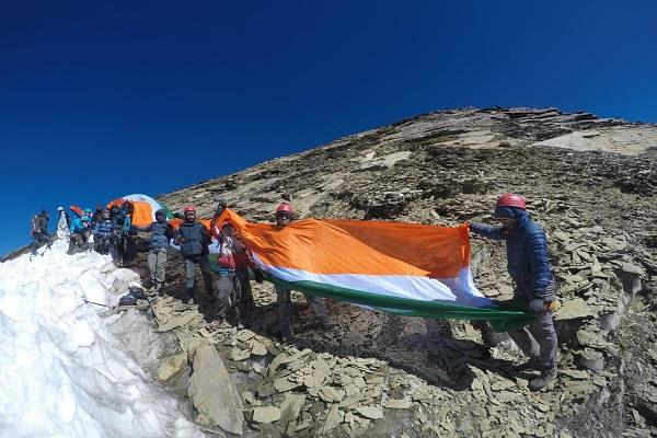these youth waved the 50 feet tricolor on mount friendship