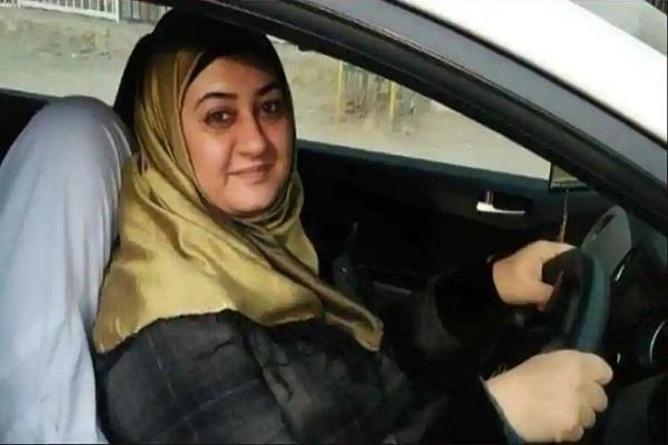 kashmir female drivers hold car rally