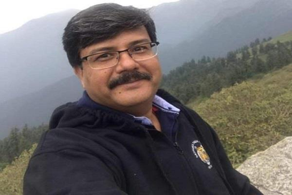 ias officer isolates himself in government hospital
