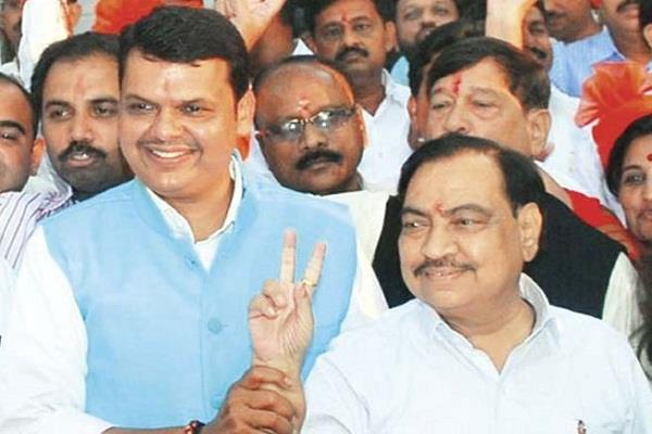 fadnavis says khadse leaving the bjp is predicted daily