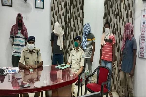 5 people demanding extortion money of 15 lakhs arrested in chaibasa