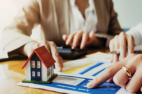 home buyers can get gifts before festivals interest rates may