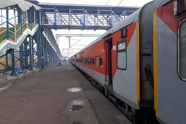 sleeper coaches to be removed from mail and express trains