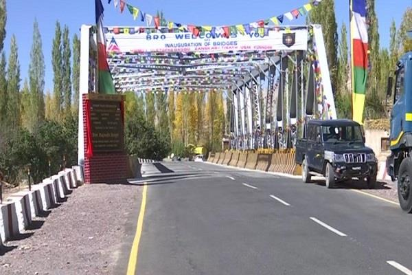 rajnath singh inaugurates 44 bridges along the border with china and pakistan
