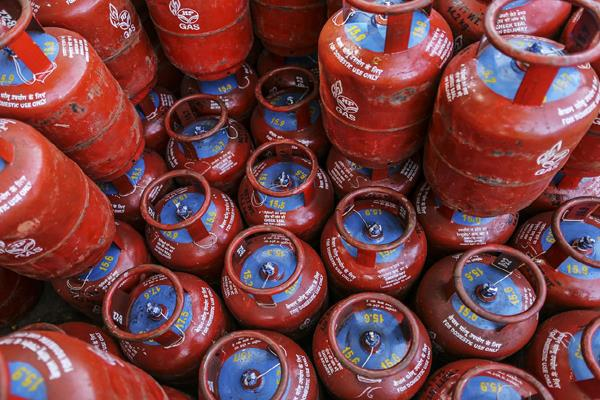 rules for home delivery of lpg cylinders will be changed from 1 november