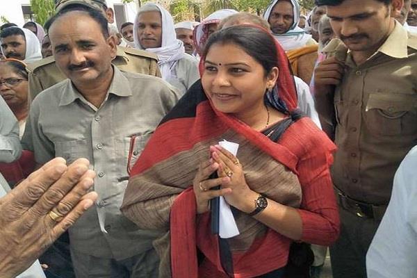 rajya sabha election seema dwivedi firebrand woman leader of jaunpur