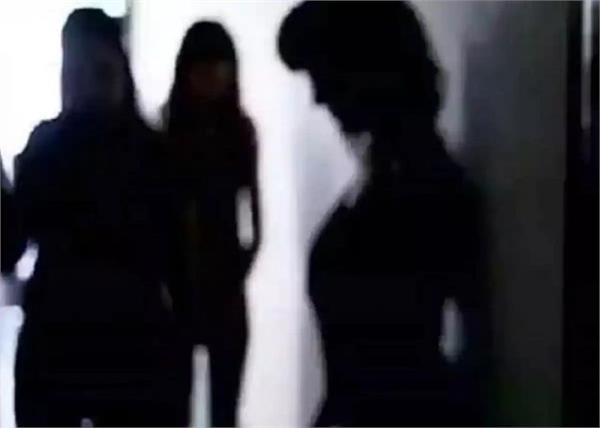 जिस्मफरोशी के धंधे में पकड़ी गई एक्ट्रेस, मुंबई के होटल में हुआ भंडाफोड़